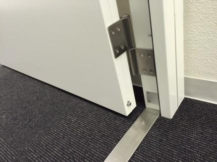 茅場町事務所防音間仕切りドア
