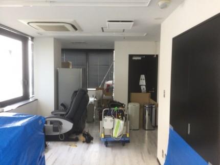 五反田事務所 ガラスパーティション③