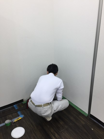 岩本町 倉庫 間仕切解組 ガラス補修工事⑪