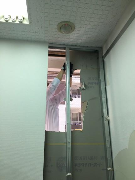 岩本町 倉庫 間仕切解組 ガラス補修工事④